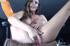 Huge pussy squirt